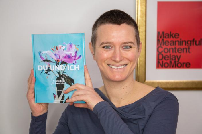 Pressefoto Du und Ich Freundebuch für Erwachsene von Cornelia Böhm